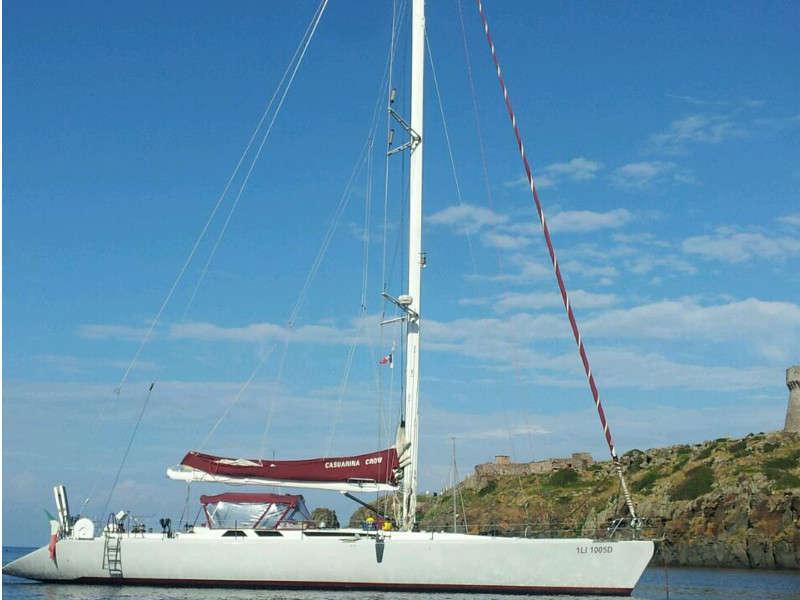 Casuarina Crow noleggio barca vela toscana